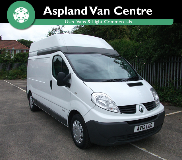 Renault Trafic 2.0dCi LH29 isometric view
