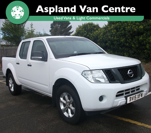 (15) Nissan Navara 2.5dCi Visia D/Cab Pick Up isometric view at Aspland Van Centre