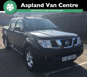 (07) Nissan Navara 2.5dCi auto Aventura D/Can Pick Up isometric image at Aspland Van Centre