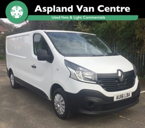 Isometric view of the (16) Renault Trafic LWB from Aspland Van Centre