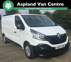 Isometric view of the (67) Renault Trafic LWB from Aspland Van Centre